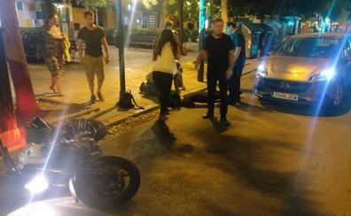 Un vehículo atropella a un motorista en Alhamar cuando el semáforo se le ponía rojo