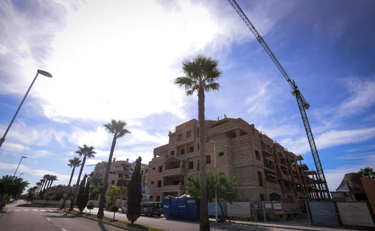 Playa Granada despega con la construcción de 80 viviendas y otras 187 pendientes de licencia