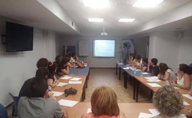20 pacientes con Enfermedad Inflamatoria Intestinal participan en el Hospital de Motril en un taller sobre alimentación