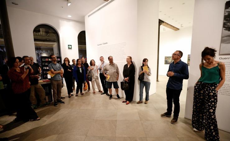 Un paseo por la exposición 'Vicente/Guerrero' en Granada