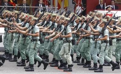 Cárcel para tres cabos de la Legión por llevar 320 kilos de hachís en un buque de guerra a unas maniobras en Viator (Almería)
