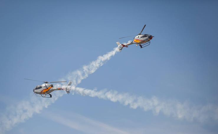 Espectacular exhibición del Ejército del Aire en Armilla