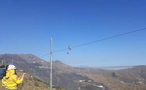 Un incendio forestal obliga a desalojar a seis familis en la Loma del Gato
