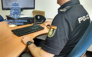 Detienen a dos hermanos que atracaron a un joven a punta de navaja en Almería