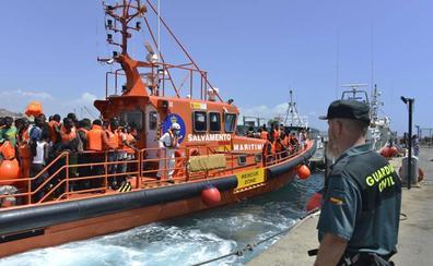Detenidos quince argelinos llegados en patera a El Zapillo
