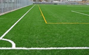 Grave un niño de 8 años al caer de una grada en campo de fútbol