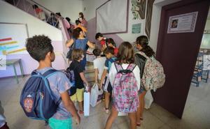 Ustea lleva a los juzgados el cierre de unidades en los colegios de Granada
