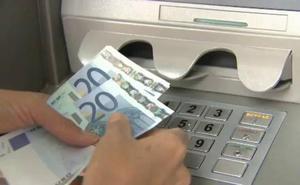 'Cazada' al intentar sacar 45.000 euros del banco con el DNI de otra persona