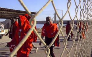 Llegan en buen estado a Motril los 58 inmigrantes rescatados en Alborán