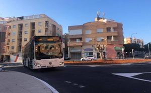Abre al tráfico la rotonda del Parque de Los Molinos