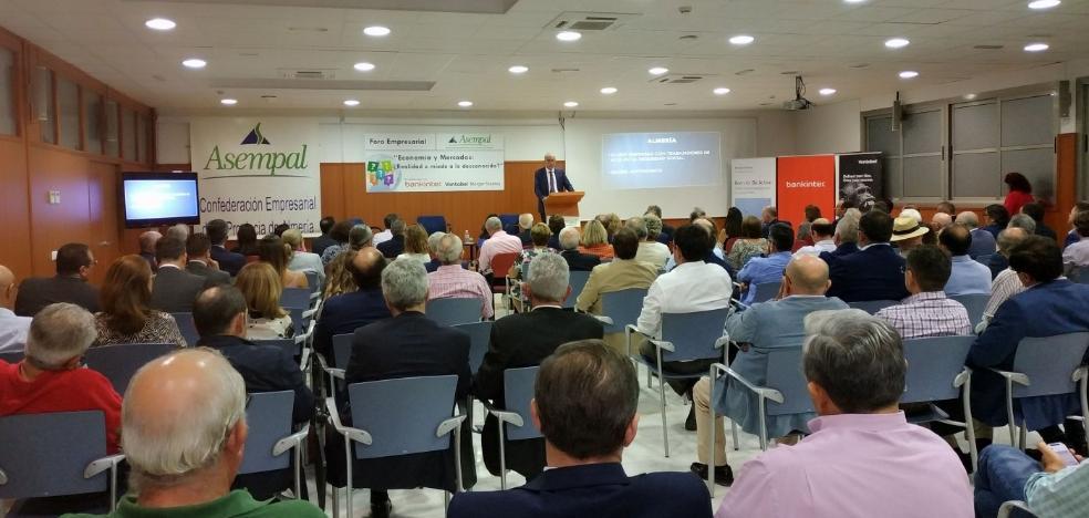 José Cano invita a los empresarios a tomarse en serio la amenaza climática