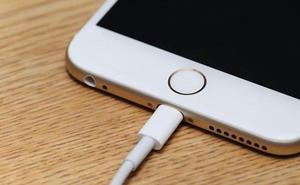 Cuidado con el cable que utilizas para cargar el móvil: puede hackear tus datos