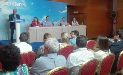 Amat llama a la movilización de todo el partido para «devolver la ilusión» a la provincia