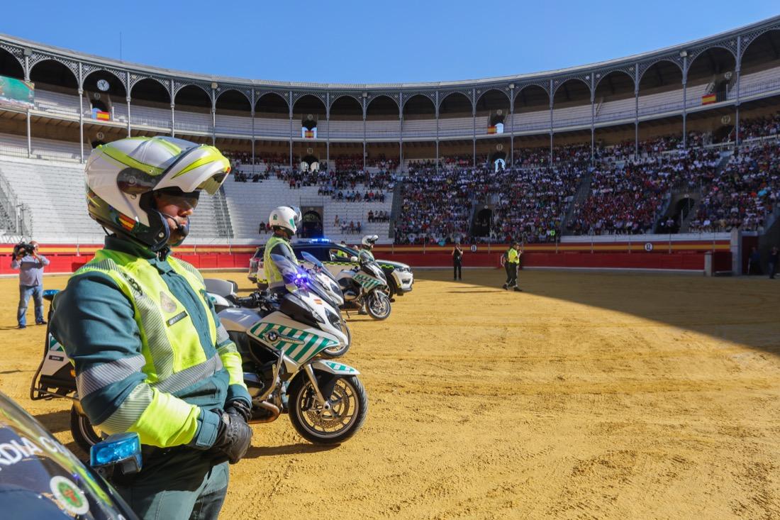 La Guardia Civil exhibe su poderío en Granada
