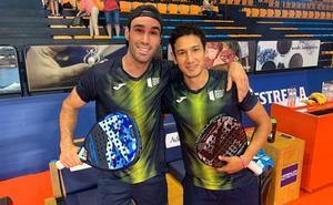 Javi Ruiz debuta con triunfo en el Open de Menorca y accede a los octavos de final