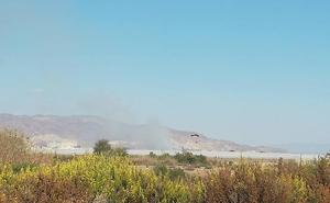 Declarado un incendio junto al campus de la Universidad de Almería