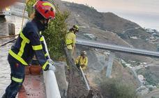 Los bomberos sofocan de nuevo el fuego en la Loma del Gato