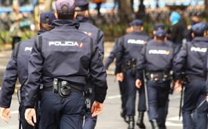 Cinco detenidos por robar en dos naves y anunciar por Internet los objetos sustraídos