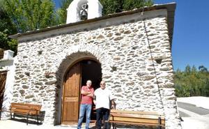 Fondales reinaugura su ermita en sus fiestas patronales en honor a la Virgen del Rosario
