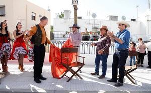 Alex Cox ya cuenta con su silla en el Paseo del Cine de Tabernas