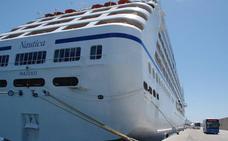 Casi 650 cruceristas llegan mañana a Motril en un buque de lujo