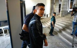 El acusado de apuñalar a un menor en el Centro de Granada se declara culpable pero dice que no se dio cuenta