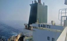 Irán denuncia una doble explosión en un petrolero en el mar Rojo