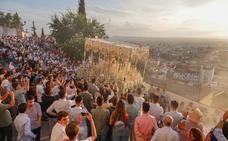 El Ayuntamiento de Granada negocia con la Federación de Cofradías un recorte a las salidas extraordinarias