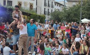 Cazorla es un gran circo en el primer día del ciclo de teatro de calle