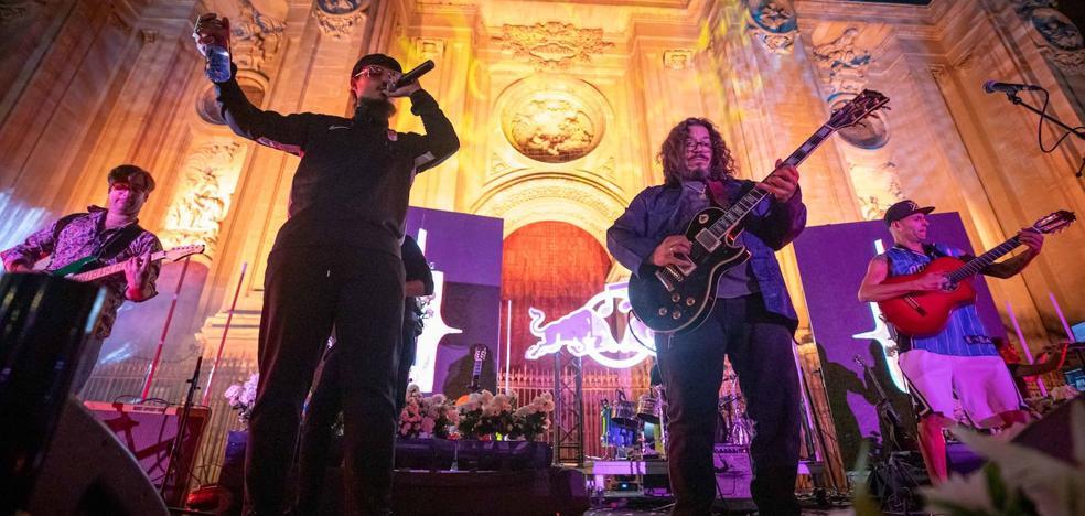 Dellafuente y Raimundo Amador: fiesta de la música folklórica atemporal