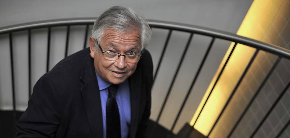 Fernando Jáuregui: «Cuando no estamos gobernados por hombres de leyes, perdemos calidad democrática»