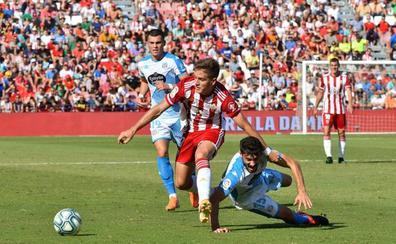 El Almería cae en la trampa y no pasa del empate