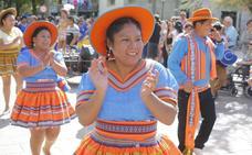 Así ha sido el Desfile del Mestizaje de este 12 de octubre en Granada