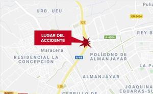 Cuatro heridos al colisionar dos vehículos en la Circunvalación de Granada