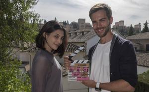 Marc Clotet rueda en Granada 'Postales desde La Alhambra' para la televisión de Singapur