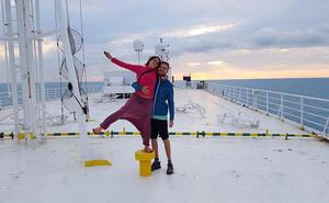 Compañías que fletan cargueros ofrecen camarotes a viajeros