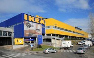 Ikea retira del mercado dos de sus baberos por «riesgo de asfixia» en los niños