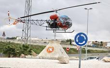 El Ejército cede este helicóptero para una rotonda de Granada
