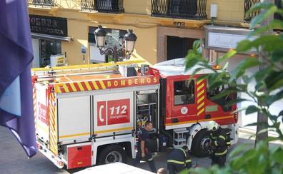 Unas velas causan un incendio en la terraza de una vivienda de Almuñécar