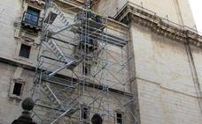La Catedral vuelve a tener andamios para reparar su techumbre