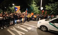 Un centenar personas salen a las calles de Granada para protestar contra la sentencia del 'Procés'