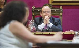 Granada ahorrará dos millones de euros anuales por la adjudicación de tres contratos municipales