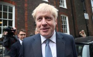 Johnson arropa a unionistas y 'brexiters' ante el desenlace