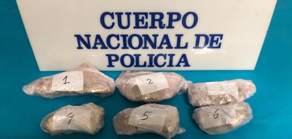 Casi un kilo de heroína requisado en Linares gracias a la operación 'Afganistán'