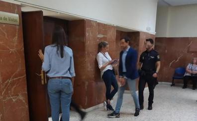 Condenan a once años de cárcel al profesor británico que abusó de su alumna en Roquetas de Mar