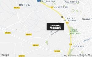 Un alcance entre tres vehícuos colapsa la Circunvalación de Granada a primera hora