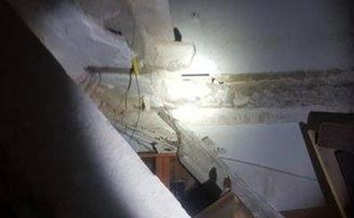 Salen de su vivienda en Jaén «segundos antes» de que se derrumbe