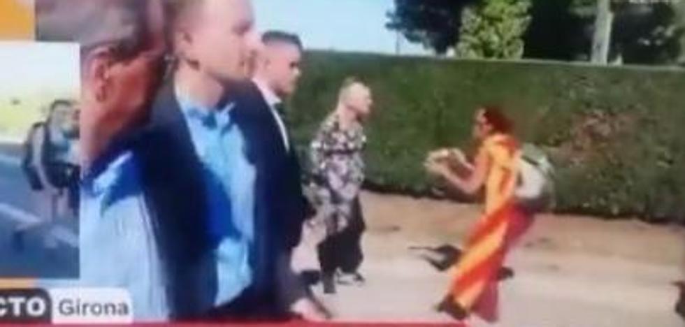«¿Me vais a dejar pasar que estoy pariendo?»: una embarazada, a los independentistas frente a Torra