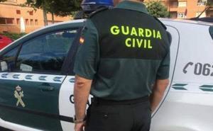 Detenido por intentar matar con una botella rota a un hombre en Níjar