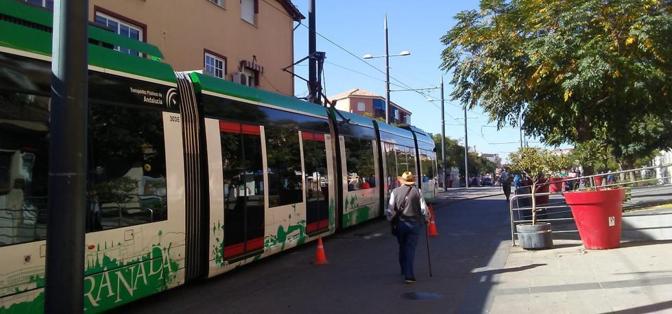Una incidencia en la catenaria del metro obliga a establecer un bucle entre Albolote y Armilla